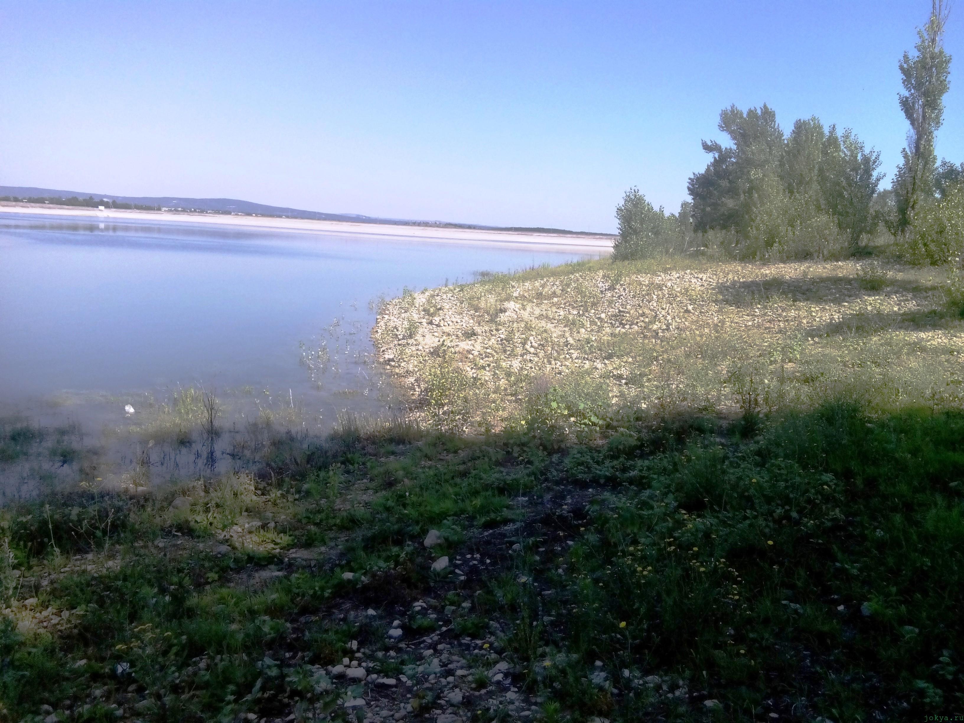 Белогорское водохранилище: набережная водоема Крыма фото заметка о Крыме jokya.ru