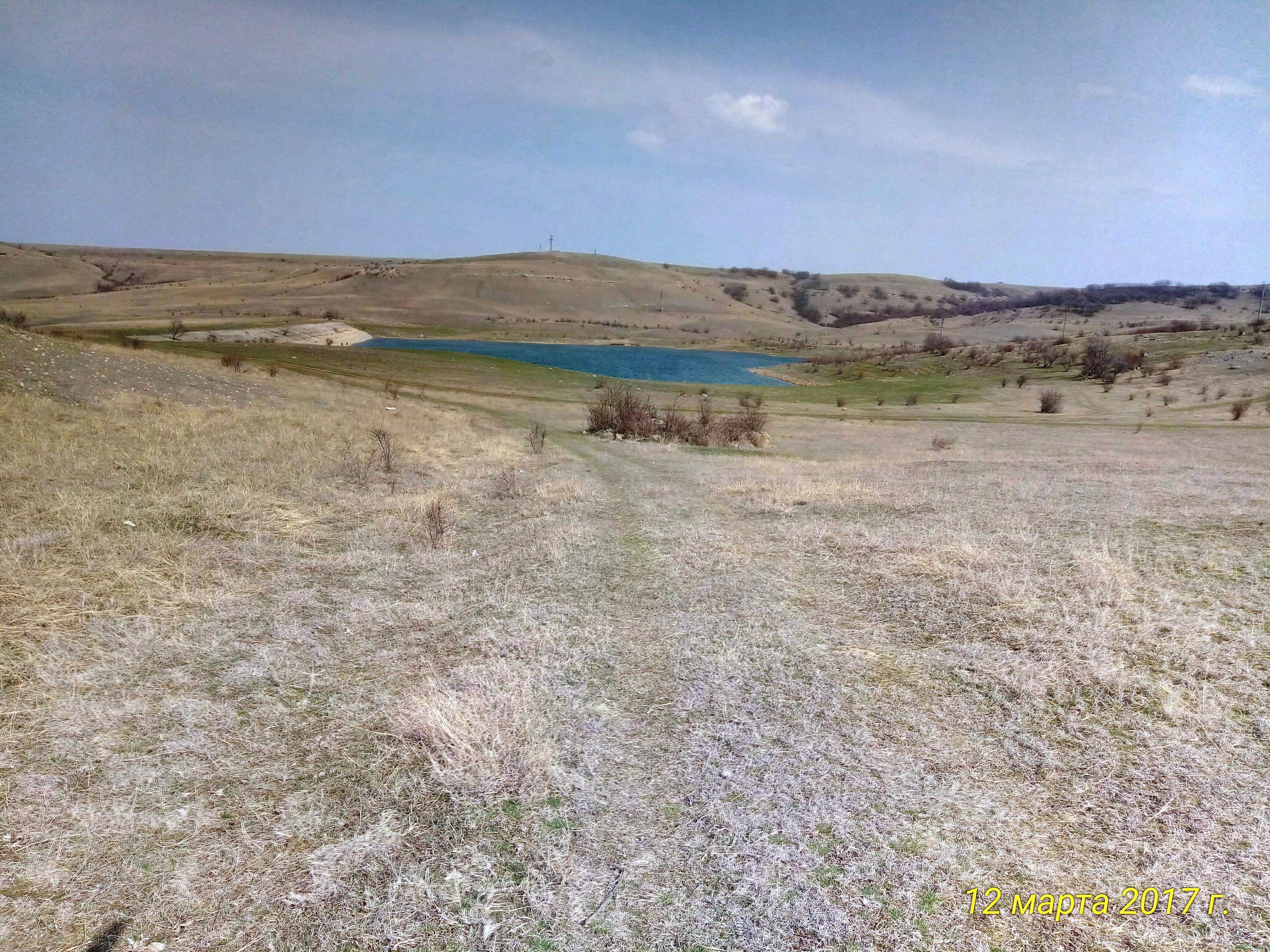 Поход выходного дня с удочкой к водоему вишенное фото заметка о моей реальности в Крыму